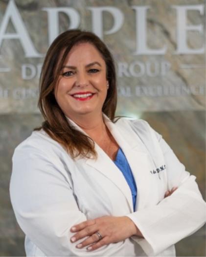 Dr. Vivianne De La Cámara
